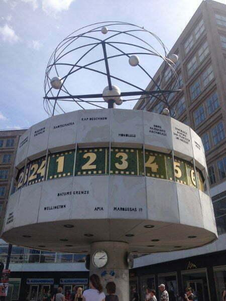 Alexanderplatz-Berlin-Urania Weltzeituhr
