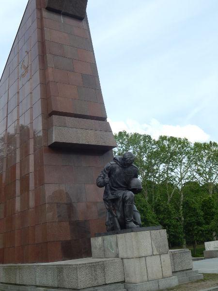 Treptower Park-soldato-Berlin