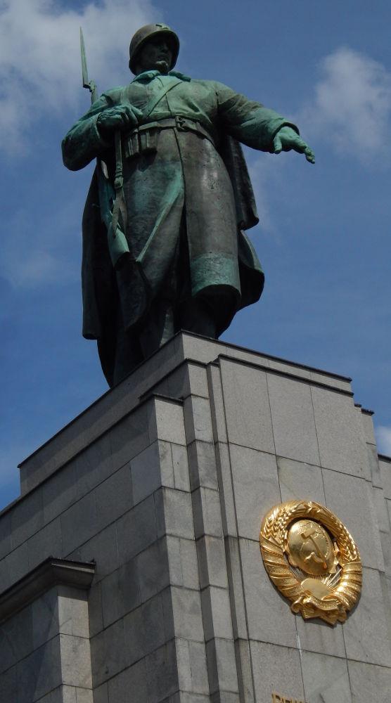 soldato-sovietico-Tiergarten