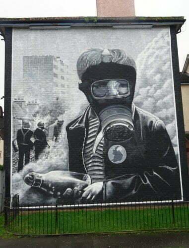 Derry-Bogside-molotov-murales