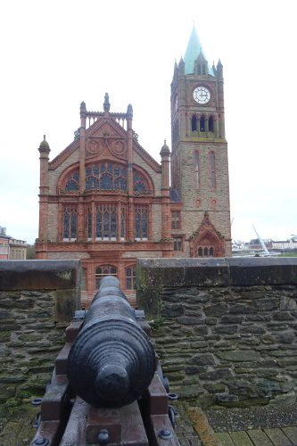 Derry-walled-cannon