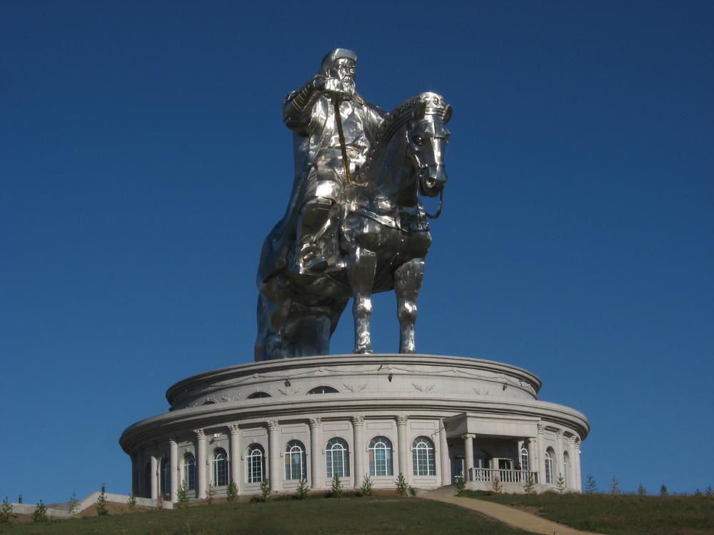 monumento Gengis Khan - steppa Mongolia
